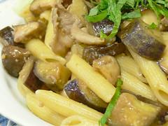 豚肉とナスのバルサミコ風味パスタ
