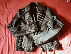 Faux. (lucsánchez) Tags: jacket leatherjacket fauxleather red black fashion style clothing rock