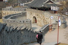 Korea 2007.04.07 15.29.52 (PJ and Dorian) Tags: korea suwon hwaseongfortress