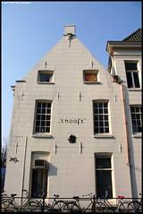 """""""'t Hooft"""" (Dit is Suzanne) Tags: white netherlands architecture centre nederland canondigitalrebel groningen wit centrum architectuur  views100 guyotplein lopende"""