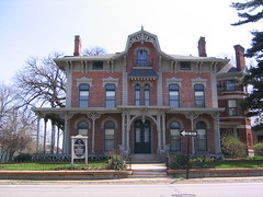 Bed & Breakfast (redsnowman74) Tags: building architecture iowa davenport bedbreakast