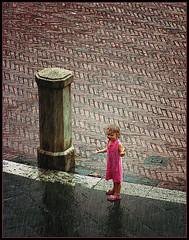 Ragazzina sotto la pioggia - by jordics