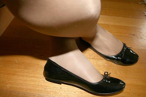 Patent black ballet flats by