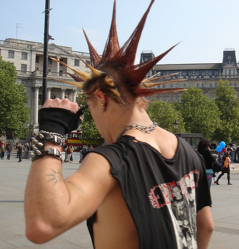 (cool punk hairstyle for men)