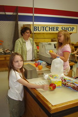 Ashlee and Autumn Field Trip Checkout 050707 web