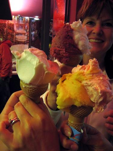 Mama bear plus gelato