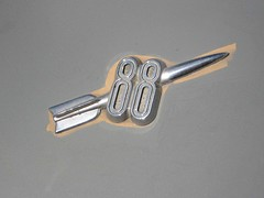 1949 Oldsmobile Rocket 88 rocket badge (Ate Up With Motor) Tags: cars la 1949 oldsmobile rocket88 futuramic