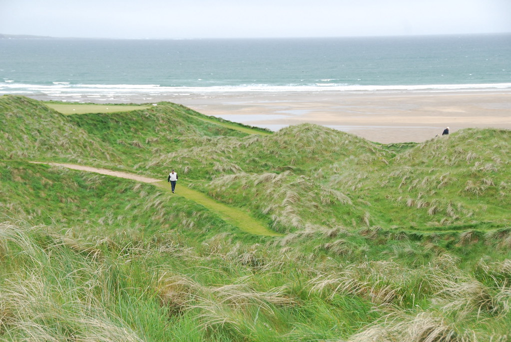 Tim Riley on the Lahinch Old Course (1)