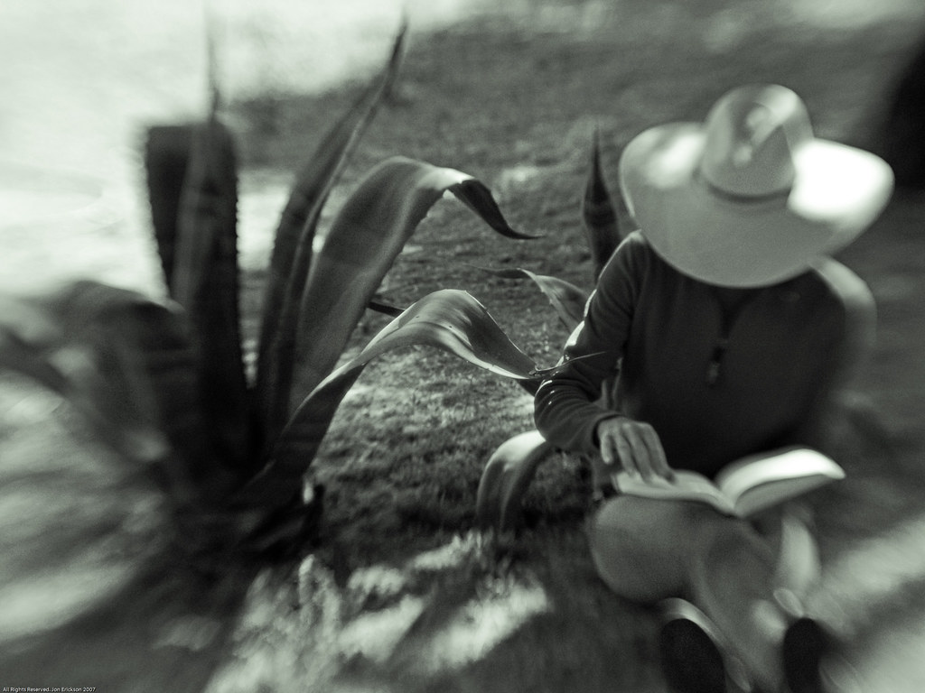 Jo Ann and Maguey with Lensbaby 1 B&W
