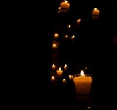 No te amo... (anita gt) Tags: light shadow luz sombra velas luce candels pabloneruda sonet soneto xvii candelas myfavoritepoem utatafeature sonetoxvii mipoemafavorito utata:project=justblack