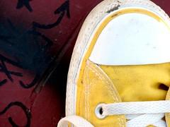 (icahla) Tags: park yellow grafitti skate chucks ilovemychucks