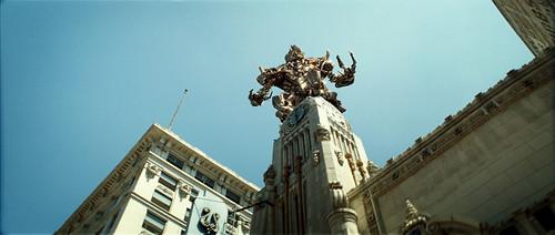 Transformers pelicula Megatron edificio