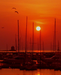 Lorain harbor at sunset (ronnie44052) Tags: lighthouse port marina harbor pier lakeerie greatlakes lorain