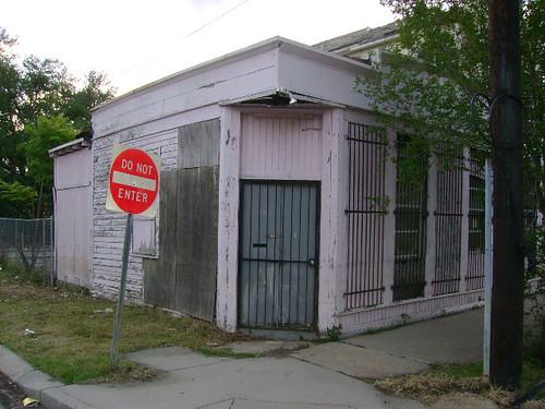 1700-02 Saint Roch Avenue