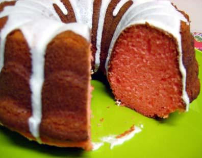 strawberry cake with vanilla icing