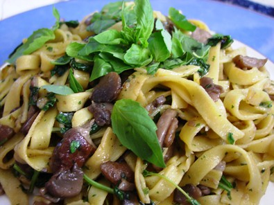 Tagliatelle with porcini, basil & thyme