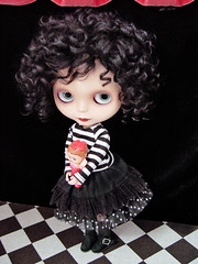 Little girl with a curl (Ragazza*) Tags: doll mohair t42 airbrush ebl squeakymonkey customblythe zozolala blythestudio