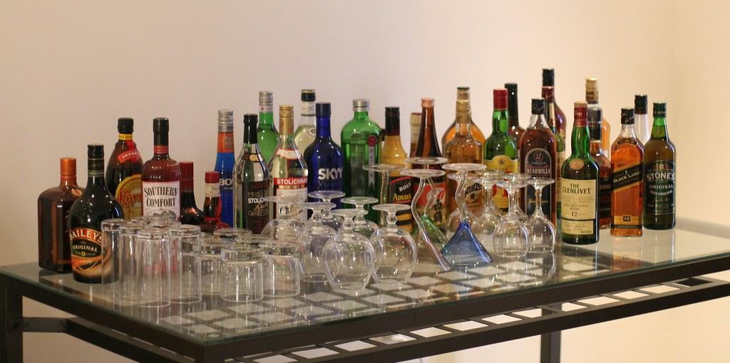 liquor-table