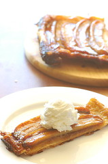 banana tart tatin (jules:stonesoup) Tags: dessert banana icecream tart tarttatin bananatart slicewithwholebackground
