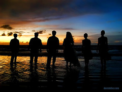 Wedding Silhouette (Devin Kho) Tags: wedding sunset sea fab sky people beach water silhouette devin pattern olympus kho brunei e500 zd 1445mm colorphotoaward devinkho