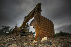 Excavator (trazmumbalde) Tags: cat spain power machine caterpillar galicia hdr digger maquinas jesters excavator 3xp tomio anawesomeshot