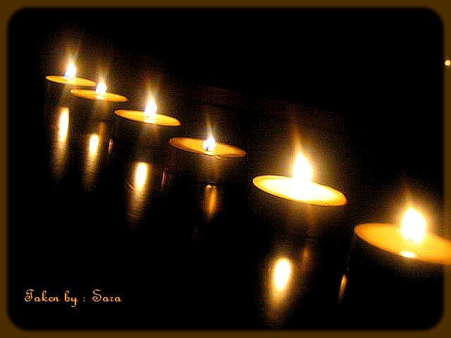 فالتنطفأ الشموع...ولتتساقط السنين... كأوراق الشجر 518664568_6d3a8a9b70