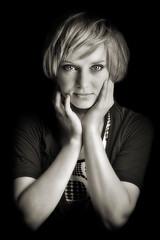 Y en B/N. (www.jordiarmengol.net (Xip)) Tags: portrait retrato concha monochromia fdlsecd magdalenaritz retratojam