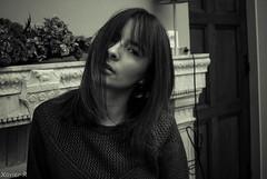 *   ThE bLaCk & WhiTe ViSiOn  * (Xavier R. photography) Tags: yongnuo 568 ex flash nikon d200 modele b w black white noir blanc cute belle manoir composition