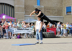 aj 03 (entertrain) Tags: streetperformer streetentertainer ajjames andrewhudspith