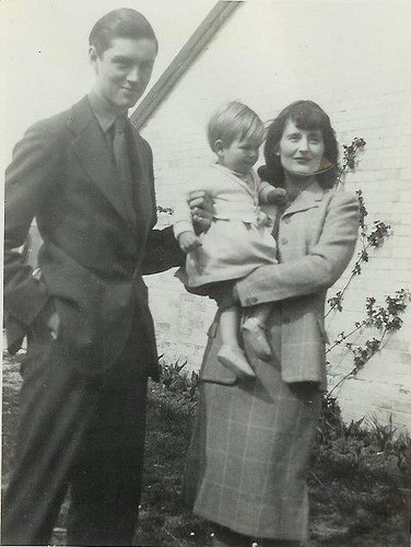 John, Simon & Barbara in 1943