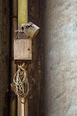 Lamp (Siebbi) Tags: lamp germany lampe decay elevator cable kanal cereals kiel nordostseekanal schleswigholstein kabel verfall wik kielcanal nordhafen getreidesilo raiffeisenhage