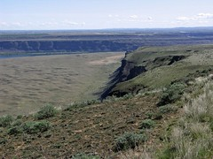 Cape Horn Plateau edge with nearly 1500' cliffs, West Bar, and Columbia River basin