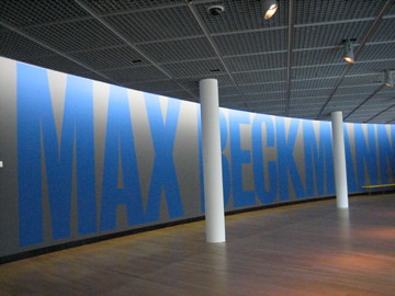 (15-4) temporary exhib at the VG museum