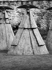 cloak and dagger // Wells// sculpture by Philip Jackson (malona) Tags: sculpture art garden skulptur wells 2006 bishopspalace philipjackson bishopsgarden eshibition malona sculpturebyphilipjackson