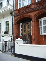 Quintessentially London (Gaurav) Tags: uk london knightsbridge