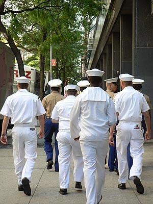 marins dans la rue.jpg