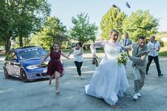 Photo de mariage originale (◄Laurent Moulin photographie►) Tags: photo de mariage originale photographie photography wedding professionnel professionnelle attaque attack voiture car rallye sur les mariés maries course cours temoins temoin fuite