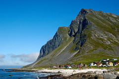 Vikten, Lofoten (Milan Kuminowski) Tags: norway norge norwegen eu lofoten 565 nordland vikten flakstad terrascania bjrntinden flakstadoy abigfave naturewatcher flakstadoya flakstadya nrge bjorntinden