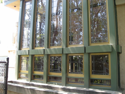 Hollyhock House windows