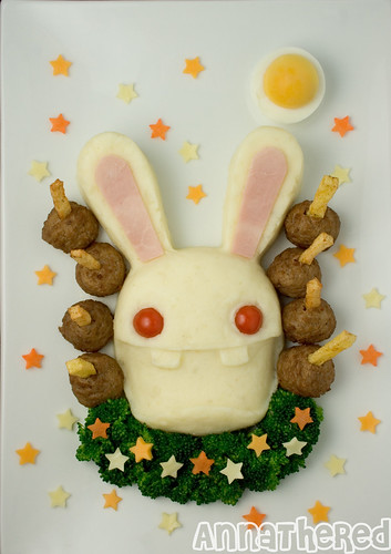 Non-Bento #25: Fun with a Rabbid mold #3 - Rabbid mashed potato