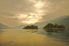 isole di brissago (mbeo) Tags: clouds island schweiz switzerland ticino nuvole day foto suisse cloudy explore photograph svizzera posti lagomaggiore naturesfinest brissago isole isoledibrissago locarnese isolebrissago 400v25f mbeo