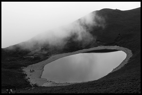 霧中嘉明湖
