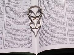 Love (Twin Blade 83) Tags: love weddingrings scriptures