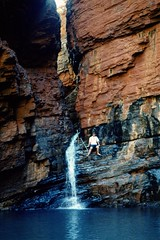 Australia - WA - Pilbara Region (Chris&Steve) Tags: waterfall nationalpark australia outback gorge remote hancock westernaustralia karijini karijininationalpark pilbara 10millionphotos weanogorge handrailpool v500i