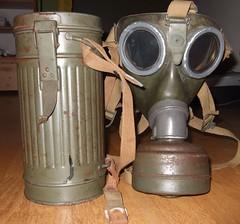DSCF0037 (sibout) Tags: wwii collection ww2 worldwar2 militaria gasmasks bayonet mauser
