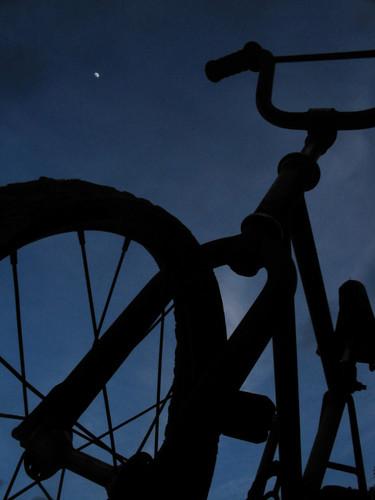 Mi bici despues de dar un paseo por la luna