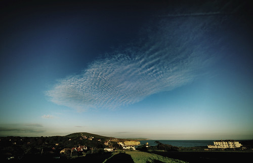 People are strange, clouds are stranger (cirrocumulus)