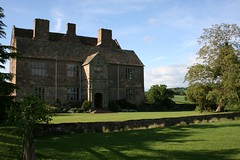 Treowen House (Ben Morson) Tags: house wales countryside country monmouth manor monmouthshire loseyourself dingestow treowen