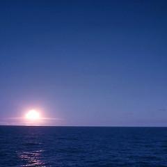 Nuke 3 (Pierre J.) Tags: vintage geotagged polynesia 1971 ring bomb blast nuke nuclearbomb shockwave nuclearexplosion polynsie kodachrome200 atomictest rha muroroa