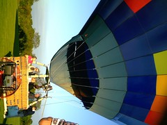 IMAG0221 (yxxxx2003) Tags: new blue red hot green air baloon ballon balloon milton keynes mk yello 2007 balon olney hotairballon yxxxx